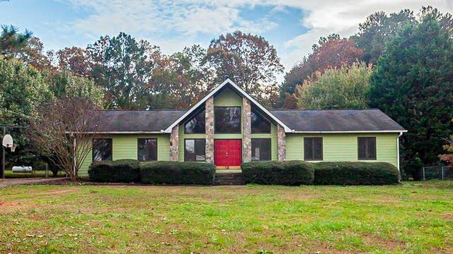 Photo 1 of 26 - 275 Helen Ln, Stockbridge, GA 30281