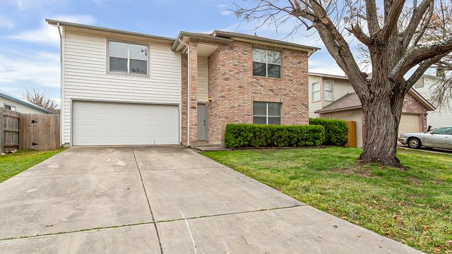 Photo 1 of 22 - 9806 Kelton Dr, San Antonio, TX 78250
