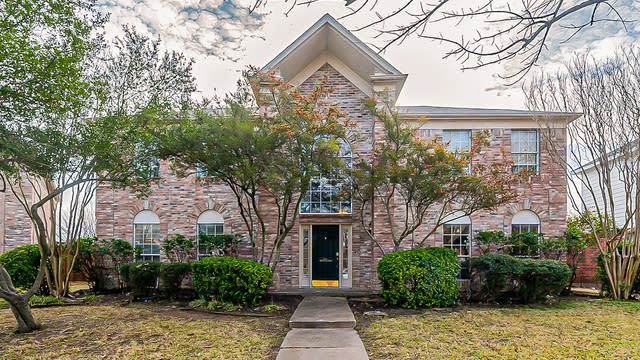 Photo 1 of 29 - 3001 Clearmeadow Dr, Mesquite, TX 75181