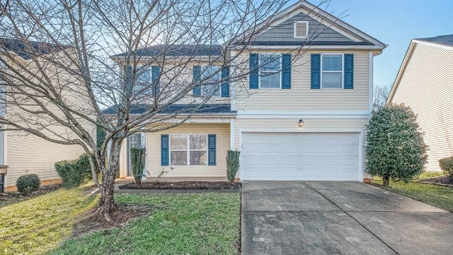 Photo 1 of 16 - 8619 Earthenware Dr, Charlotte, NC 28269