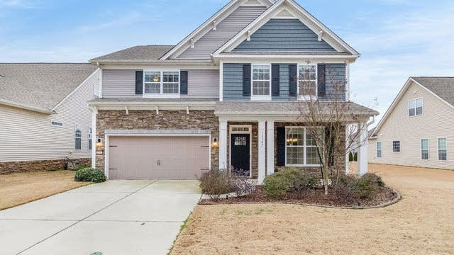 Photo 1 of 23 - 11147 River Oaks Dr NW, Concord, NC 28027