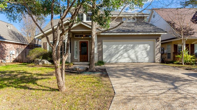 Photo 1 of 27 - 1610 Hawks Tree Ln, San Antonio, TX 78248