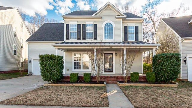 Photo 1 of 22 - 11841 Royal Castle Ct, Charlotte, NC 28277