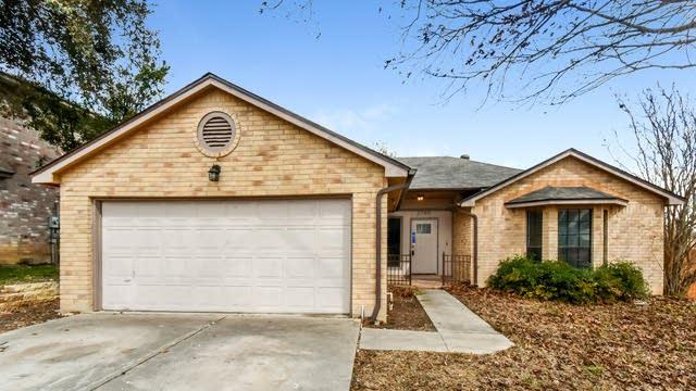 Photo 1 of 27 - 2700 Hillview Ln, Schertz, TX 78154