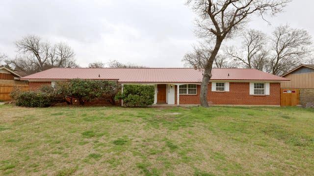 Photo 1 of 25 - 1210 N Cedar Ridge Dr, Duncanville, TX 75116