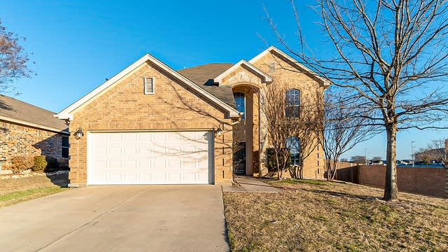 Photo 1 of 27 - 6100 Perch Dr, Fort Worth, TX 76179