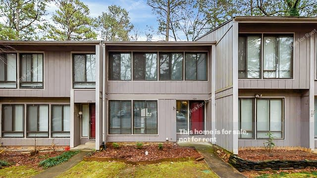 Photo 1 of 26 - 1724 Quail Ridge Rd, Raleigh, NC 27609