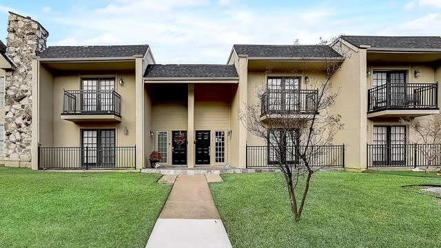 Photo 1 of 40 - 9419 Timberleaf Dr, Dallas, TX 75243