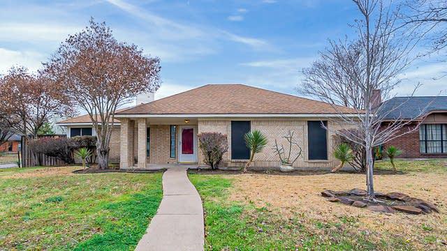Photo 1 of 20 - 2301 Springfield Ln, Rowlett, TX 75088