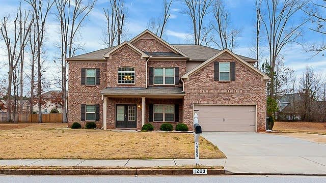 Photo 1 of 26 - 1209 Branlee Dr SE, Conyers, GA 30013