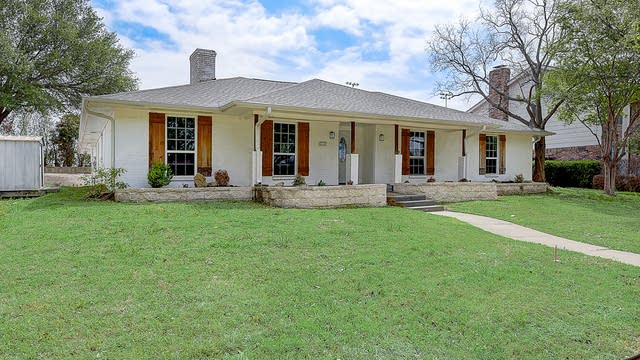 Photo 1 of 48 - 2312 Greenhill Dr, Carrollton, TX 75006