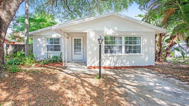 Photo 1 of 16 - 8651 Mockingbird Ln, Seminole, FL 33777