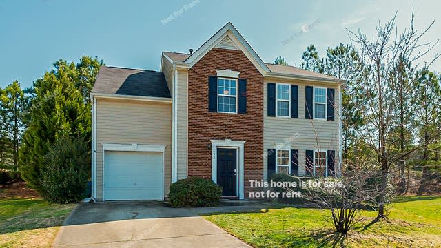 Photo 1 of 20 - 222 Morning View Ct, Durham, NC 27703