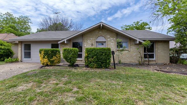 Photo 1 of 29 - 817 Rockledge Dr, Garland, TX 75043