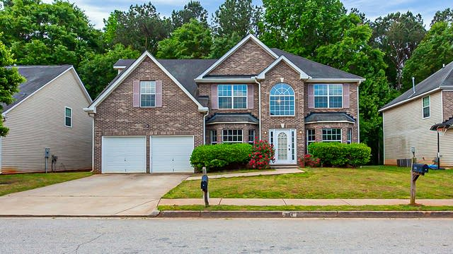 Photo 1 of 32 - 904 Brisley Cir, Hampton, GA 30228