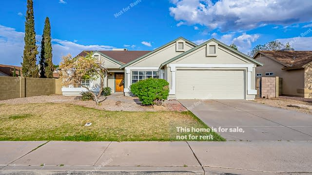 Photo 1 of 37 - 913 N Falcon Dr, Gilbert, AZ 85234