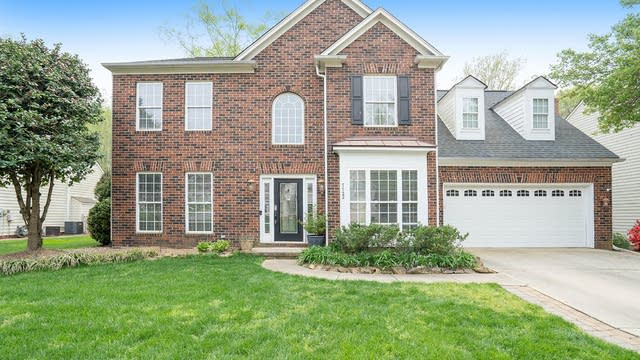 Photo 1 of 22 - 7722 Epping Forest Dr, Huntersville, NC 28078