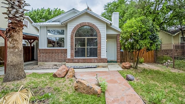 Photo 1 of 15 - 2831 Almond Field Dr, San Antonio, TX 78245