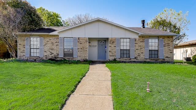 Photo 1 of 38 - 924 Longhorn Dr, Plano, TX 75023