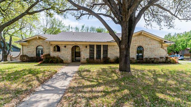 Photo 1 of 29 - 3445 Willowcrest Dr, North Richland Hills, TX 76117