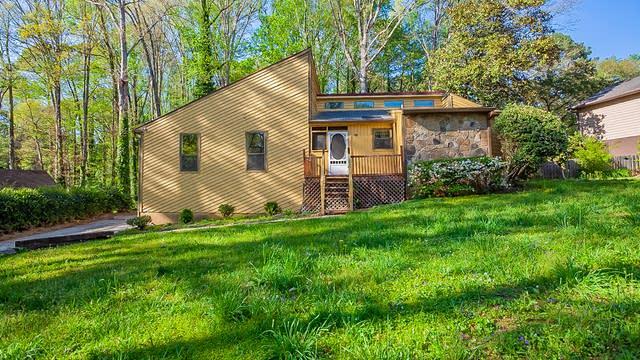 Photo 1 of 34 - 5239 Rockbridge Dr, Stone Mountain, GA 30087