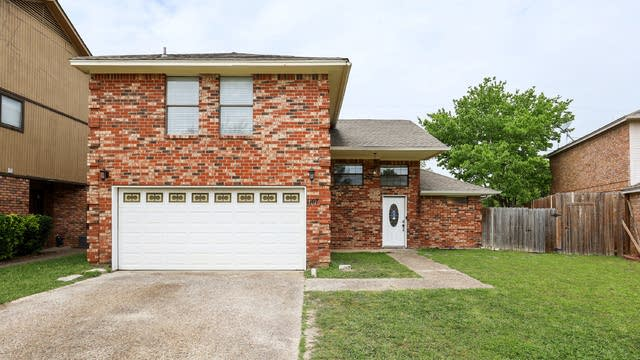 Photo 1 of 26 - 1107 Carrington Ct, Irving, TX 75060