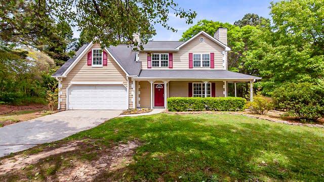 Photo 1 of 27 - 6421 Dove Dr, Loganville, GA 30052