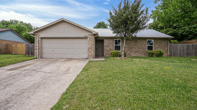 Photo 1 of 23 - 7213 Hanging Cliff Pl, North Richland Hills, TX 76182