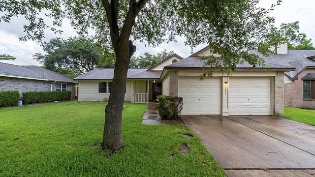 Photo 1 of 20 - 13503 Klamath Falls Dr, Houston, TX 77041