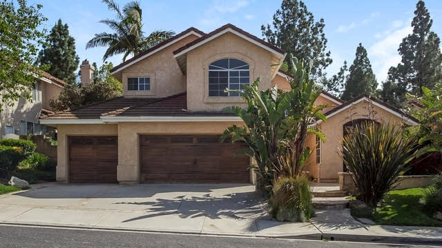 Photo 1 of 27 - 12306 Cherry Grove St, Moorpark, CA 93021