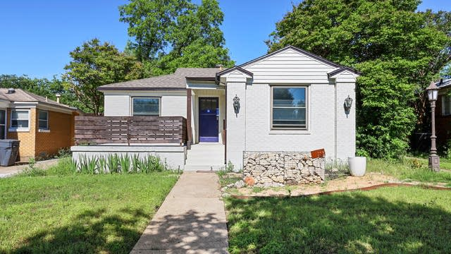 Photo 1 of 27 - 711 Cliffdale Ave, Dallas, TX 75211