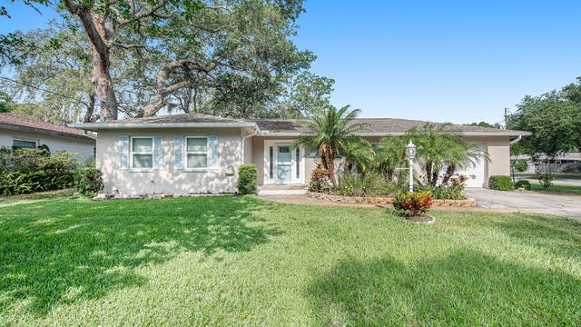 Photo 1 of 17 - 900 Brookside Dr, Clearwater, FL 33764