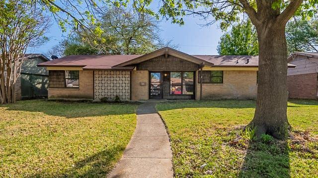 Photo 1 of 34 - 2419 Viva Dr, Mesquite, TX 75150