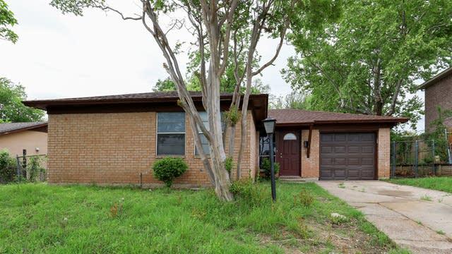Photo 1 of 27 - 2505 Graham St, Grand Prairie, TX 75050