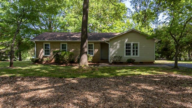 Photo 1 of 16 - 10018 Mountain Apple Dr, Mint Hill, NC 28227