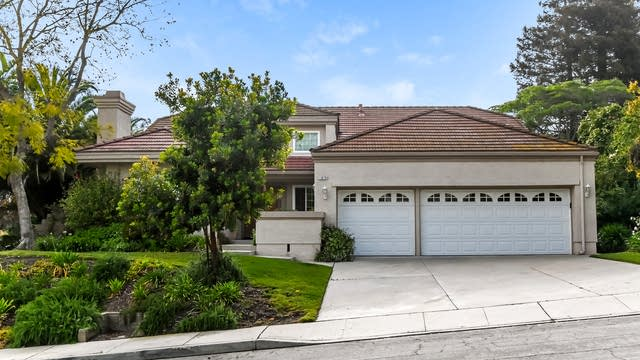 Photo 1 of 25 - 12078 Silver Crest St, Moorpark, CA 93021