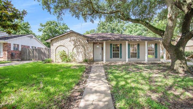 Photo 1 of 18 - 11214 Sagemeadow Ln, Houston, TX 77089