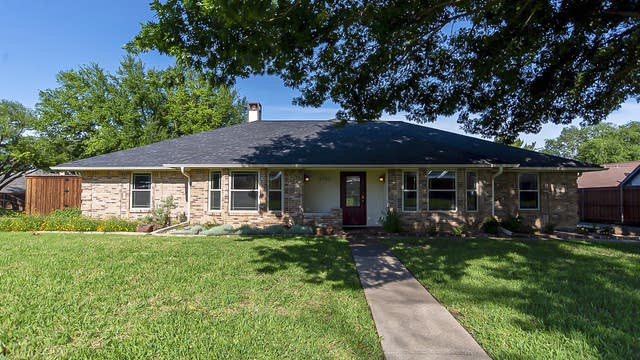 Photo 1 of 28 - 3702 Ridgewood Dr, Grand Prairie, TX 75052