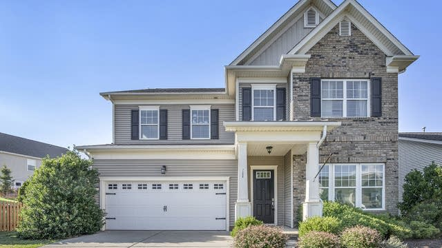 Photo 1 of 19 - 1317 Middlecrest Dr NW, Concord, NC 28027