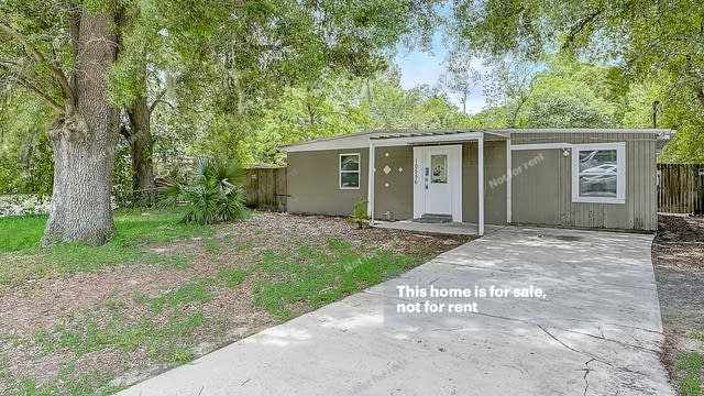 Photo 1 of 30 - 10556 Haverford Rd, Jacksonville, FL 32218