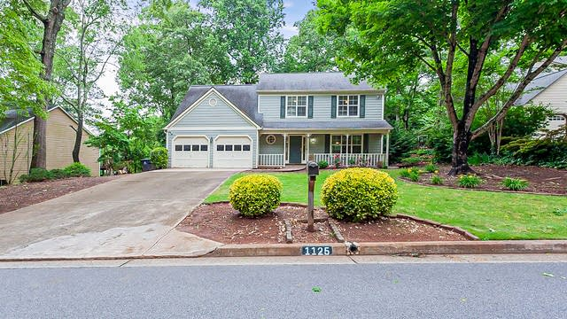 Photo 1 of 23 - 1125 Taylor Oaks Dr, Roswell, GA 30076
