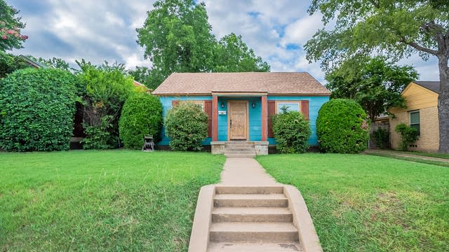 Photo 1 of 21 - 4604 Calmont Ave, Fort Worth, TX 76107