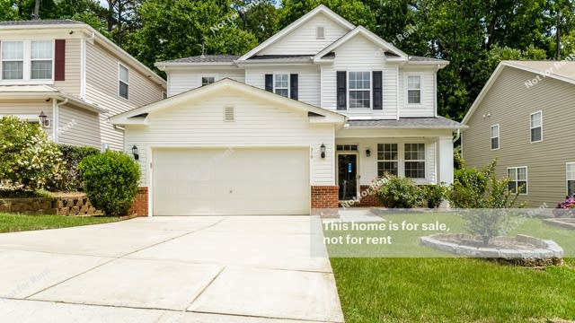 Photo 1 of 27 - 319 Buckland Mills Ct, Cary, NC 27513