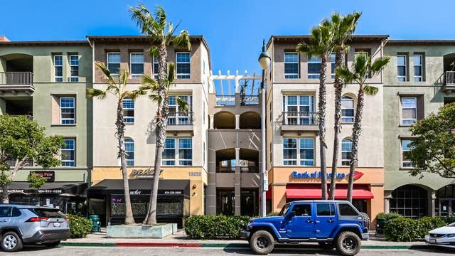 Photo 1 of 27 - 13020 Pacific Promenade #214, Los Angeles, CA 90094
