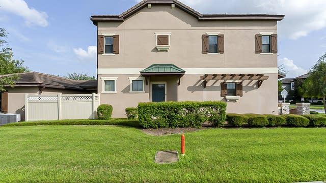 Photo 1 of 31 - 10603 Village Lake Rd, Windermere, FL 34786