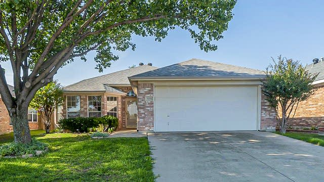 Photo 1 of 19 - 9091 Rushing River Dr, Fort Worth, TX 76118