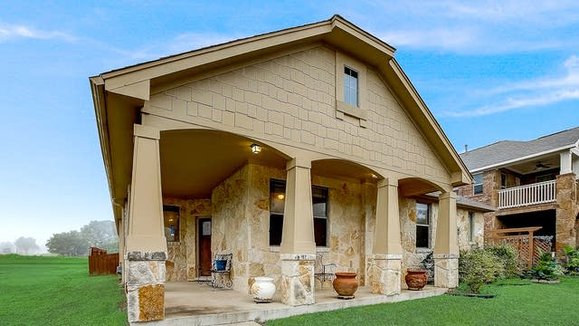 Photo 1 of 48 - 107 Sycamore St, Georgetown, TX 78633