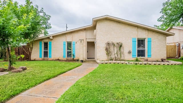 Photo 1 of 24 - 1362 Applegate Dr, Lewisville, TX 75067