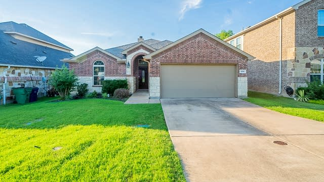 Photo 1 of 20 - 1200 Evers Dr, McKinney, TX 75071