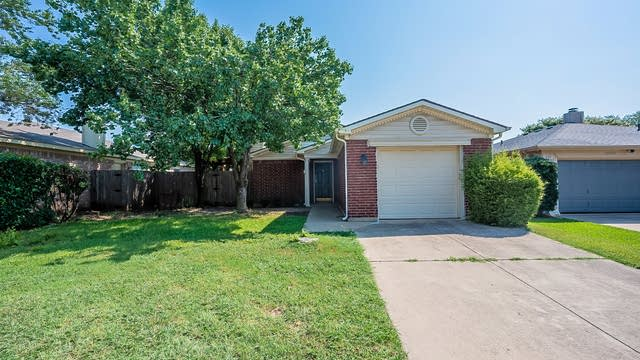 Photo 1 of 17 - 5624 Northfield Dr, Fort Worth, TX 76179